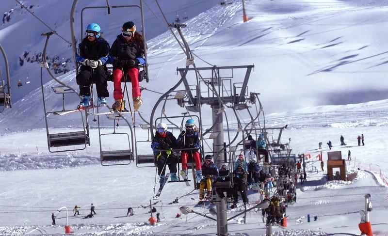 Los centros de esquí esperan 1,4 millones de extranjeros durante la temporada.