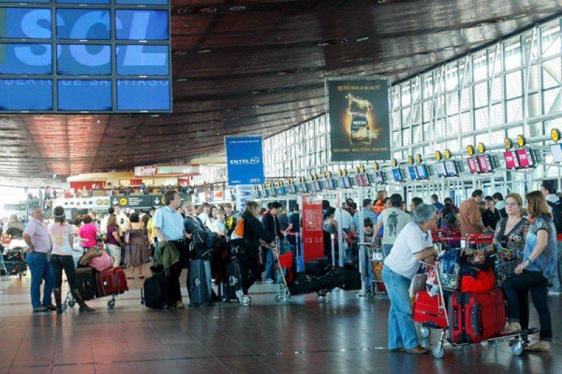 Tráfico aéreo de pasajeros aumentó en Chile casi 12% el primer semestre