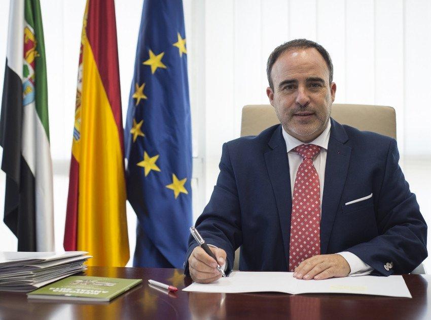 Imagen Luz verde a la nueva ley para luchar contra el intrusismo en Extremadura