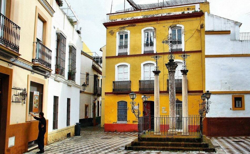 Sevilla no tiene tantos problemas como Barcelona por el alquiler ilegal de pisos, según su Ayuntamiento, pero quiere evitar que la situación vaya a peor.