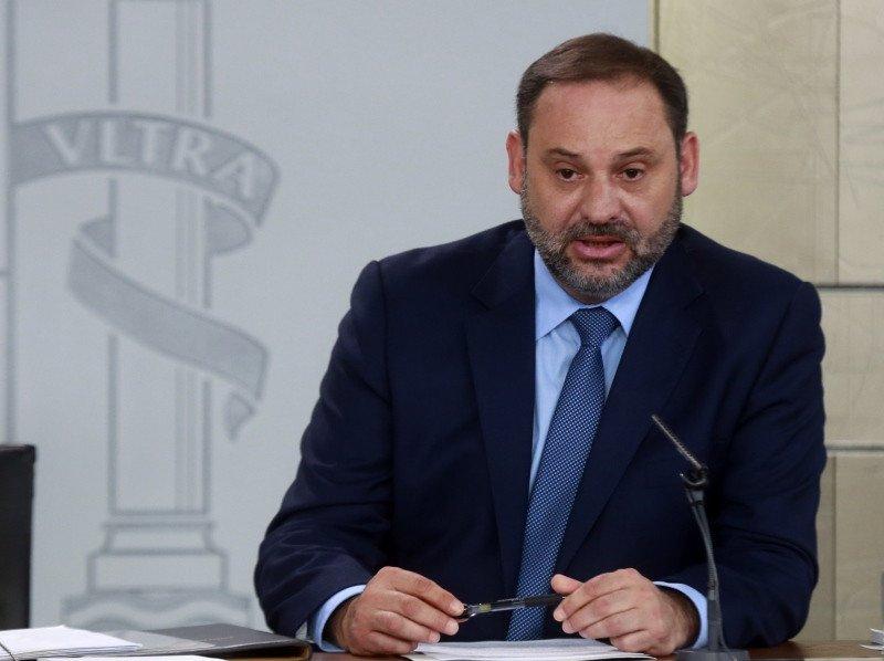 Imagen El Ministerio Fomento descarta privatizar más Aena