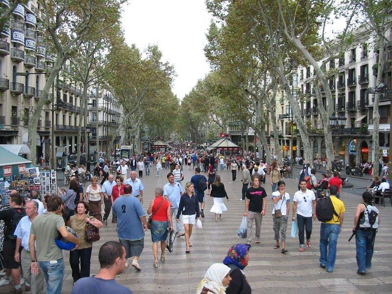 Imagen ¿Caben más turistas en España?