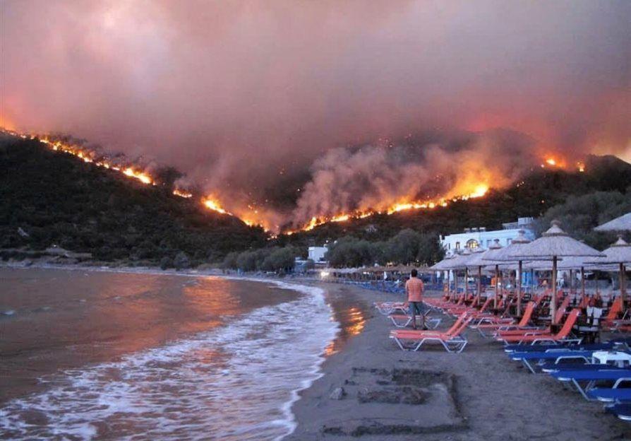 Imagen Incendio en Grecia: el fuego afecta a Rafina, destino del turismo nacional