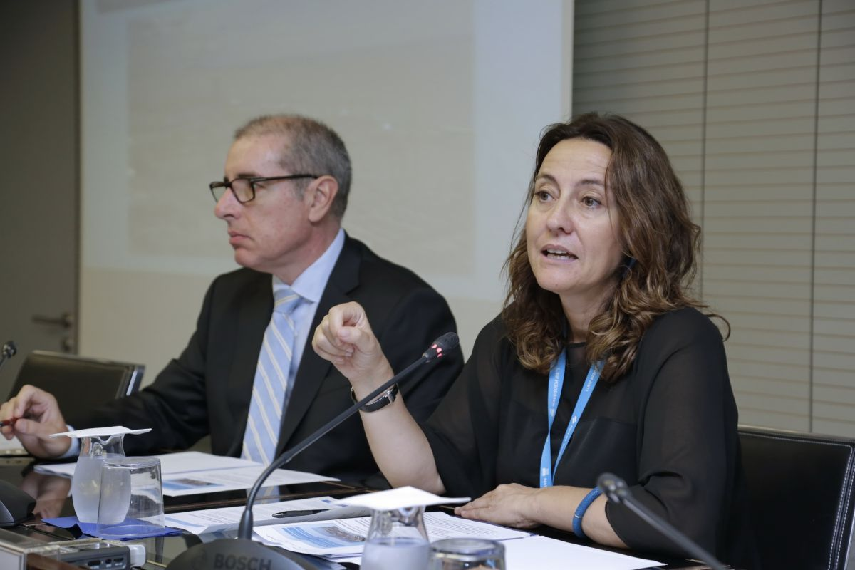 La presidenta del Port de Barcelona, Mercè Conesa, y el director general, José Alberto Carbonell, durante la presentación de resultados.