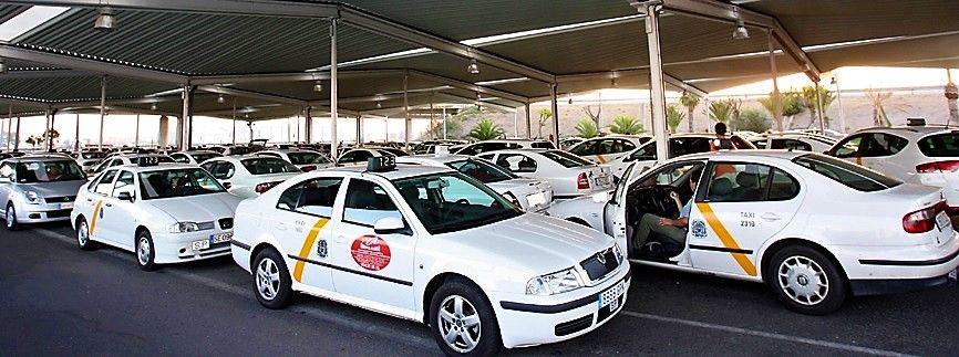 Imagen Los taxistas de Sevilla convocan una huelga indefinida