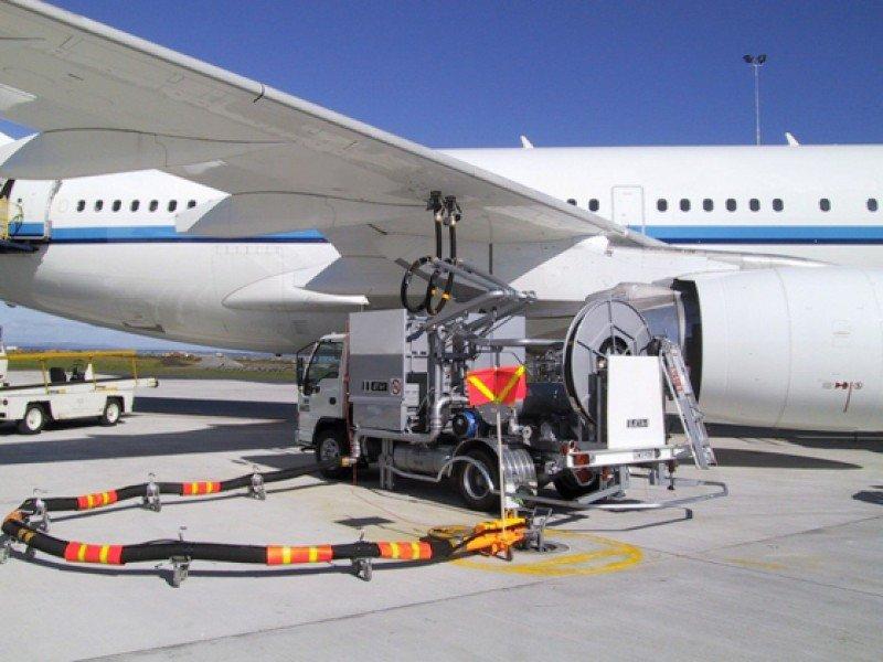 ALTA revisa precios poco competitivos de combustible de avión en Uruguay