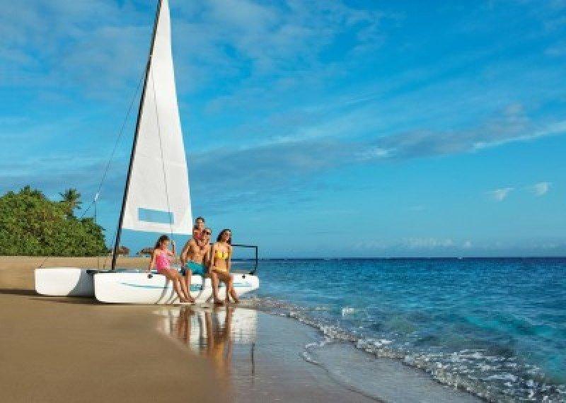Turismo extranjero en Dominicana crece 6% hasta julio