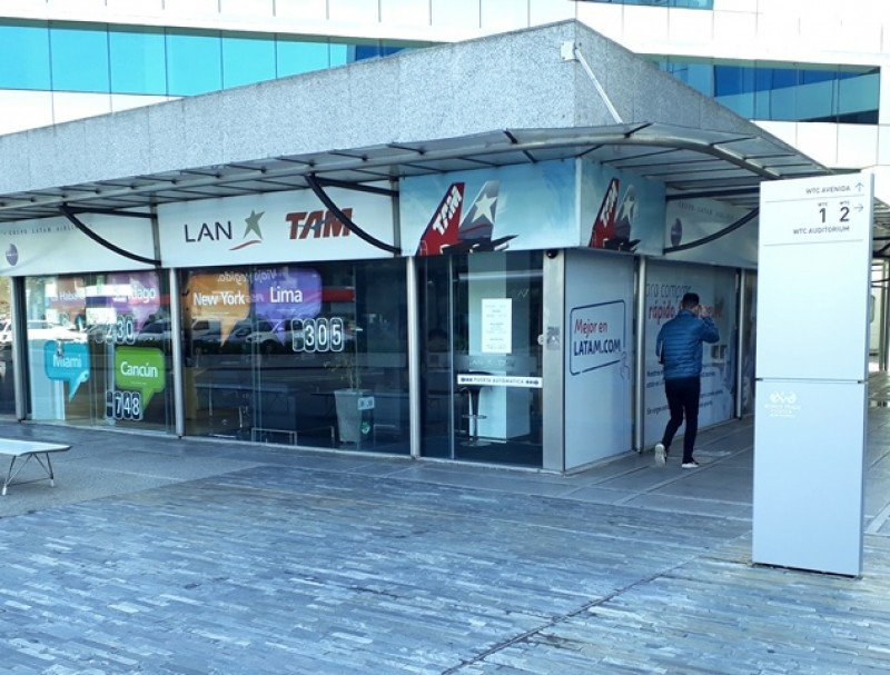 Local de LATAM en el World Trade Center de Montevideo, donde funcionará LATAM Travel.