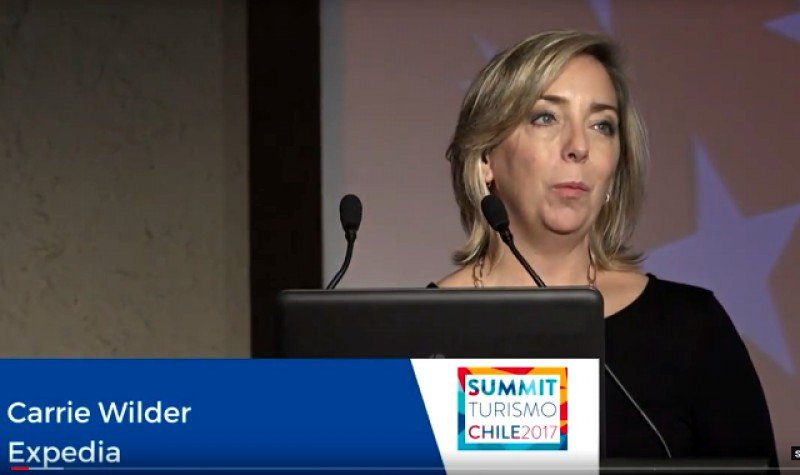 Carrie Wilder, directora para Sudamérica de Expedia Group en el Summit Chile 2017. Foto: Fedetur.