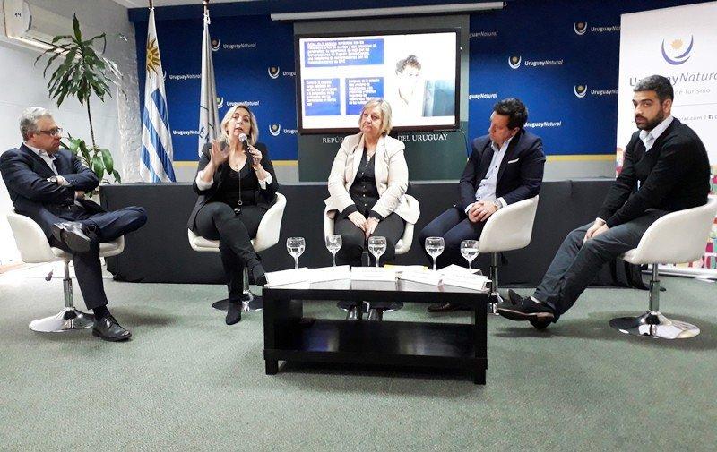 Carrie Wilder, directora de Expedia para Sudamérica, expuso en Montevideo en un foro organizado por La Liga Sanitaria en el Ministerio de Turismo.