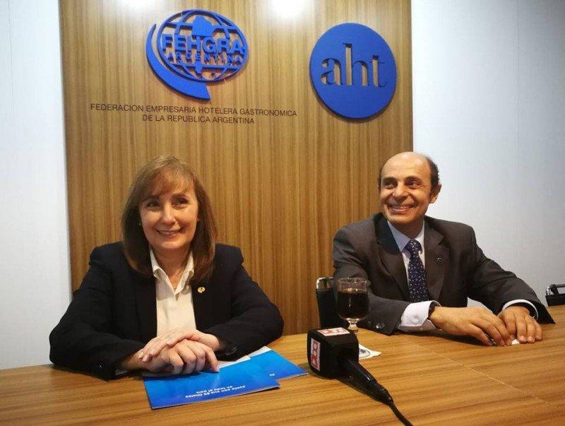 Graciela Fresno (Presidenta de FEHGRA) y Aldo Elías (Presidente de AHT y CAT)