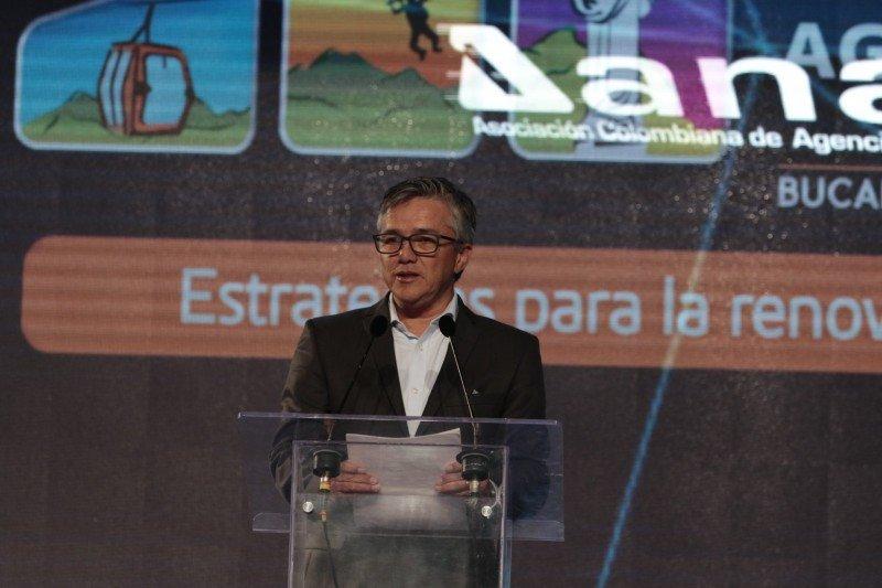 Combatir ilegalidad y atraer la inversión son retos de Colombia en el turismo