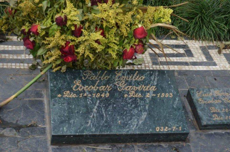 Tumba de Pablo Escobar en el Cementerio Jardines Montesacro Itagüí