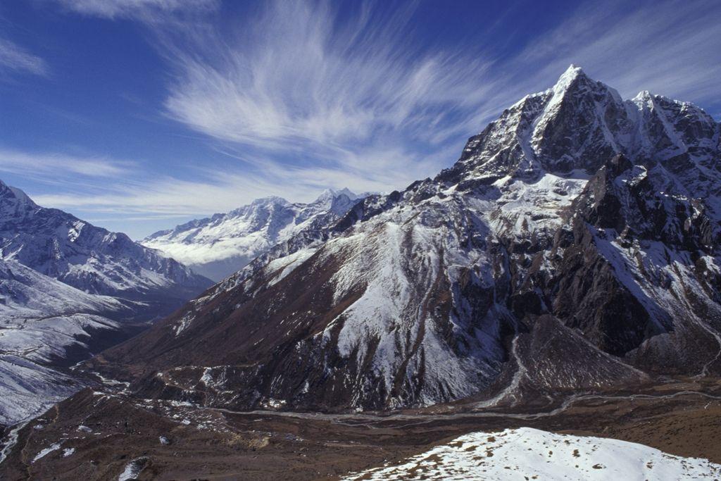 Imagen Falsos rescates a turistas en el Himalaya: estafa en la cumbre del mundo