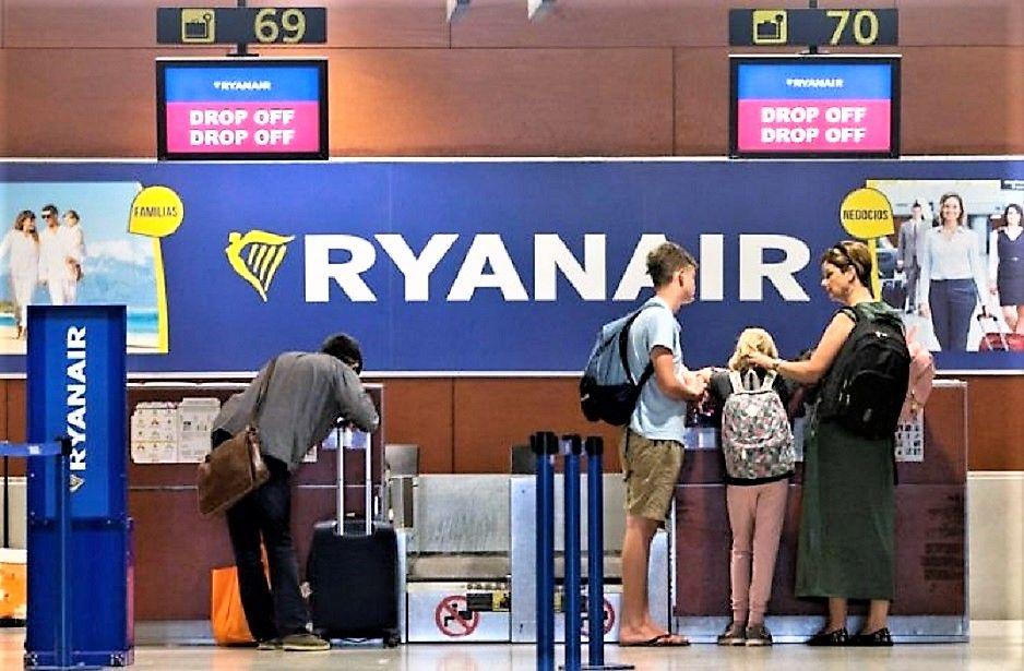 Imagen Ryanair cobrará por el equipaje de mano a partir de noviembre