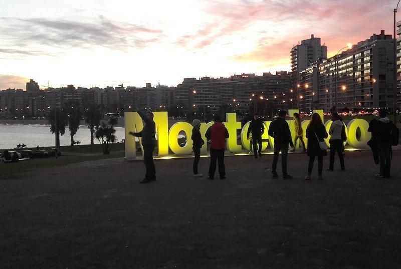 Montevideo aprueba crear una tasa hotelera para turistas extranjeros