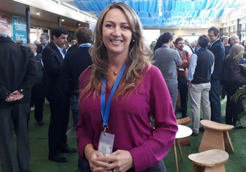 La presidenta de ANATO, Paula Cortés, en el 40° Congreso de ACHET en Valdivia.
