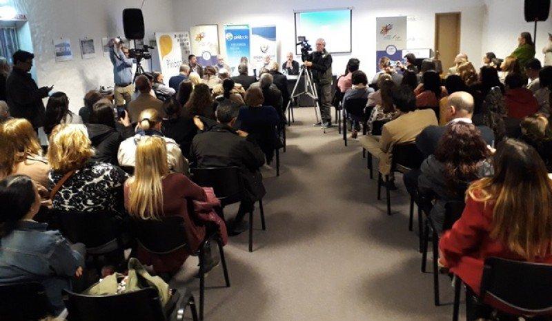 La numerosa asistencia fue destacada por los organizadores; se hizo explícito que se debe usar el término 'descuentos' por sobre  'beneficios'.