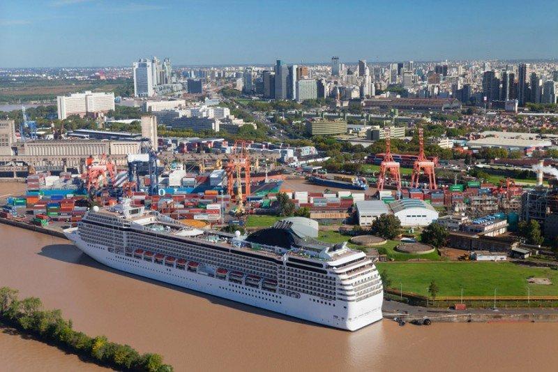 Esperan 13% más pasajeros esta temporada en el puerto de Buenos Aires.