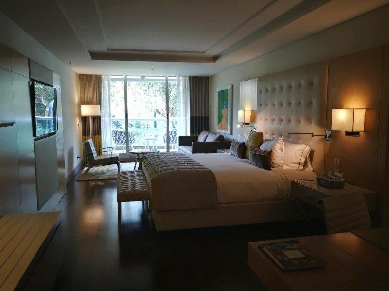 El hotel tiene 113 habitaciones, de las cuales 82 son familiares.