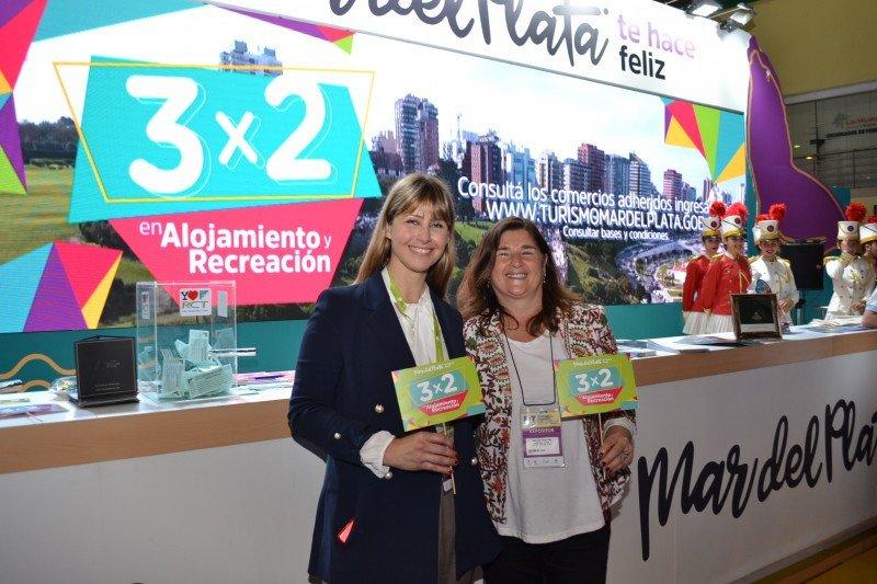 De izq a dcha: Martina Pikilny (Subsecretaria de Turismo de la Provincia de Buenos Aires) y Gabriela Magnoler (Presidenta del Ente Municipal de Turismo de Mar del Plata)