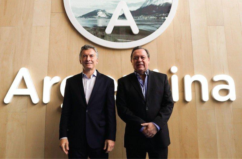 Izq a dcha: Mauricio Macri y Gustavo Santos.