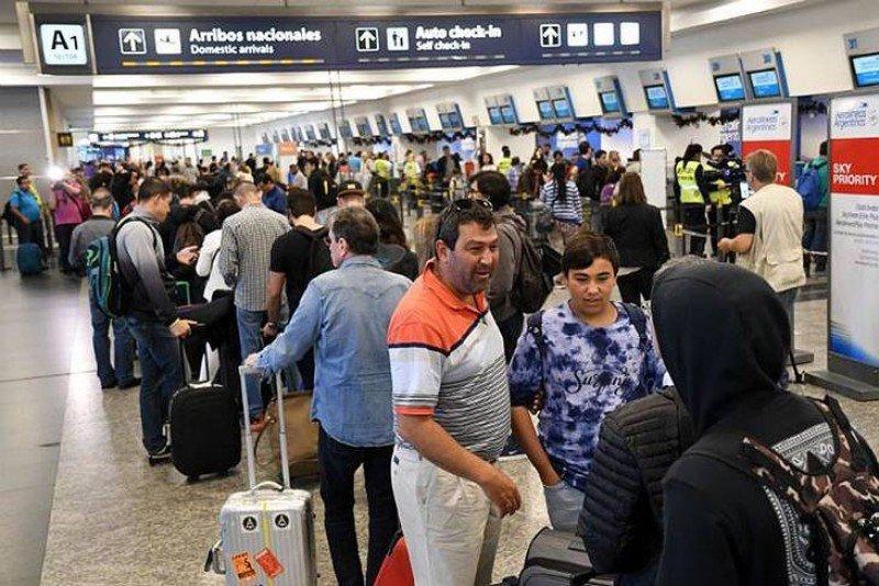 Aeroparque tuvo cancelaciones y demoras por un fallo en las comunicaciones