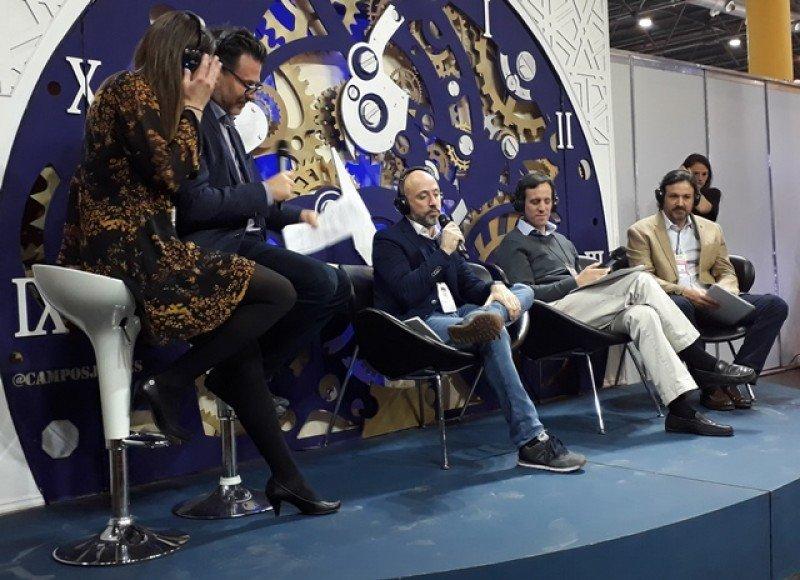 Robert Brown de Travelport moderó el panel con Juan Pablo Lafosse (Almundo), Gonzalo G. Estebarena (Despegar) y Andrés Topolansky de Netviax y 5M.