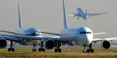 Los aviones vuelan en agosto con la mayor ocupación desde 1990