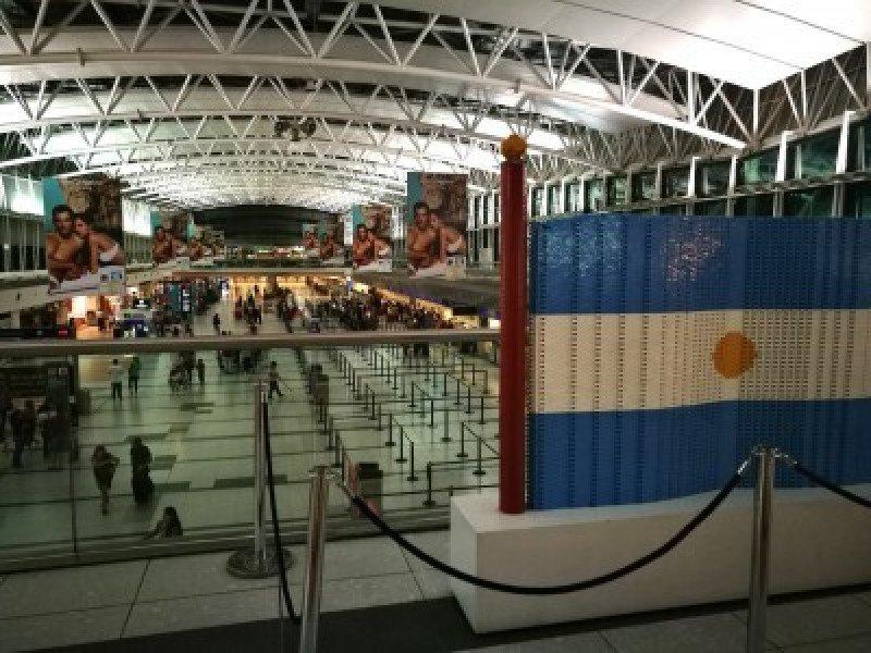 El emisivo argentino por vía aérea cae 12% en agosto