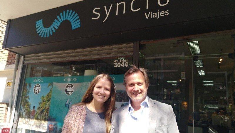 Josefina Baroffio, Gerente de Operaciones, y Andrés Elissalde, director de Syncro Viajes.