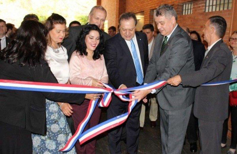 Inauguración de la 15a. edición de la Feria Internacional de Turismo de Paraguay.