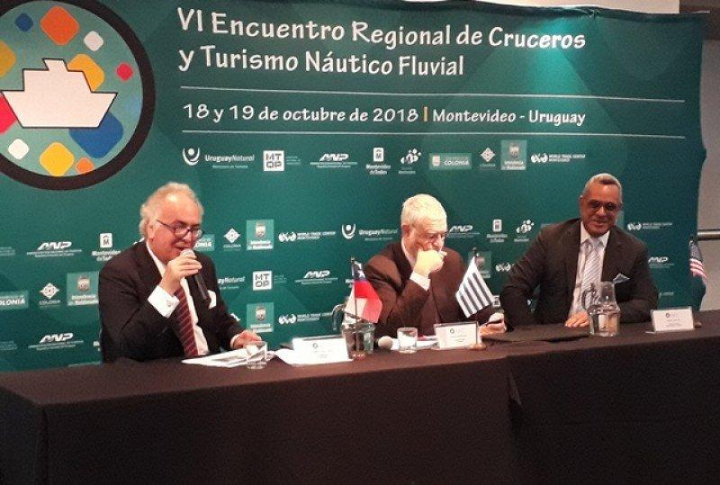 Sebastián Montero compartió la mesa con Benjamín Liberoff, subsecretario de Turismo de Uruguay, y Richard de Villiers, del puerto de Miami.