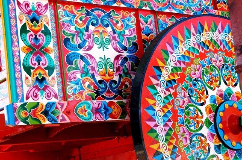Sarchí se distingue por su tradicionales carretas decoradas.