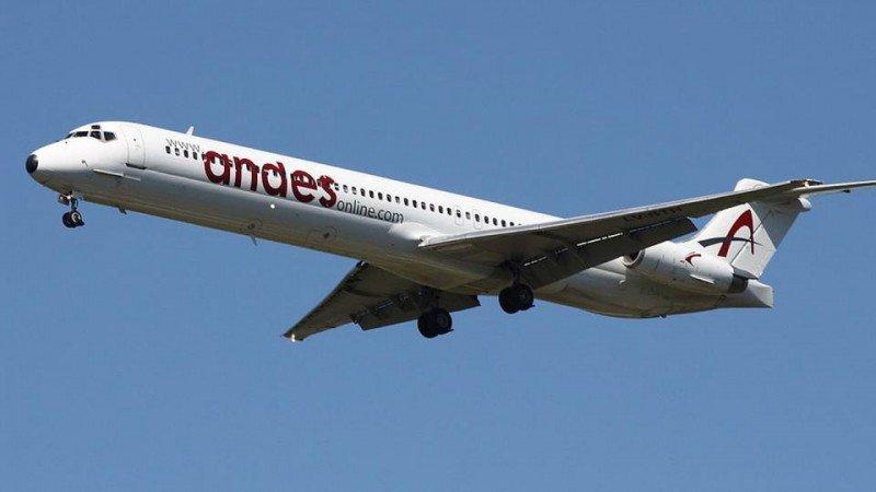 Andes se achica: despidos, recortes de rutas y devolución de aviones
