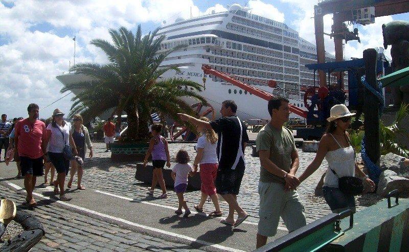 Turistas de cruceros en Montevideo podrían casi triplicarse en seis temporadas.
