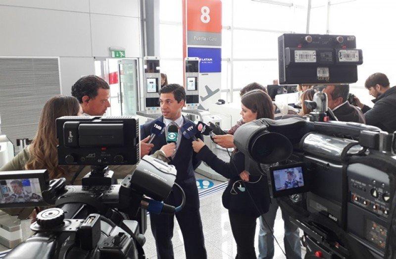 Ricardo Cerri explicó el funcionamiento de la biometría facial a la prensa. Foto: J. Lyonnet