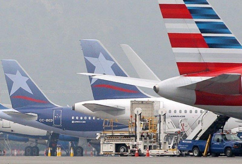 Chile: más riesgos que beneficios en acuerdo de LATAM, American Airlines y grupo IAG