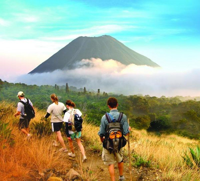 Turismo de El Salvador busca oportunidades en mercados de Sudamérica