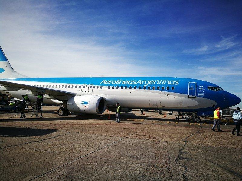 Aerolíneas Argentinas cancela 371 vuelos del lunes