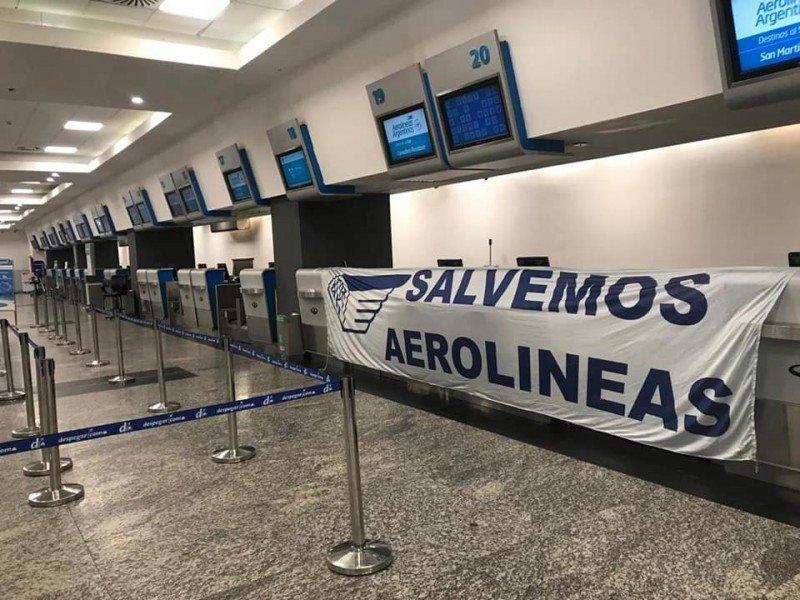 Cerca de 40.000 pasajeros de Aerolíneas Argentinas se quedaron sin volar