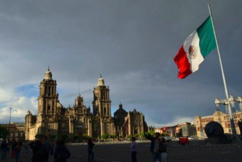 México elimina el requisito de visado por turismo a Ecuador