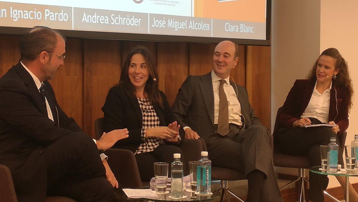 De izquierda a derecha: Juan Ignacio Pardo, Andrea Schröder, José Miguel Alcolea y Clara Blanc, asociada principal de Derecho Penal de Garrigues,
