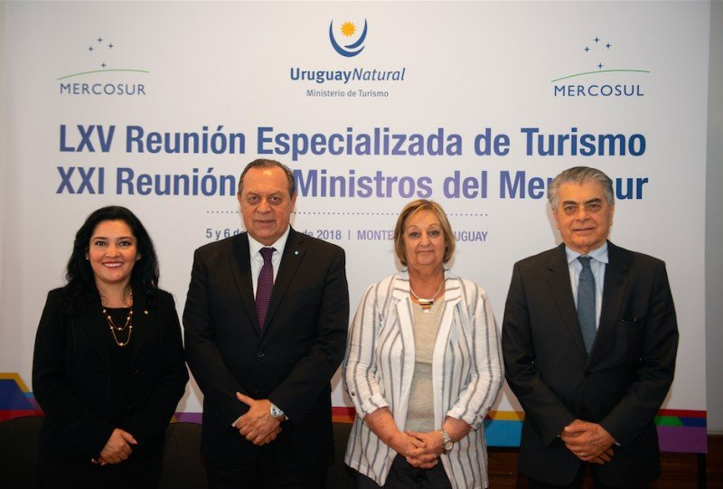 Ministros del Mercosur firman acuerdos hacia un producto turístico regional