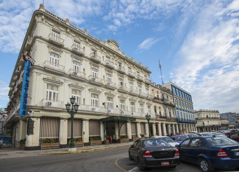 El Hotel Inglaterra, en La Habana, acaba de cumplir 143 años.