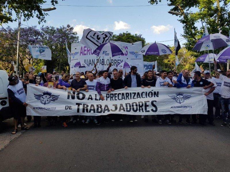 Argentina sin paro de Aeronavegantes pero con movilización