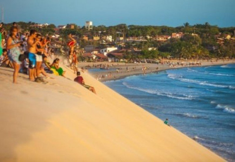 Brasil consigue más ingresos de extranjeros y que sus turistas gasten menos afuera