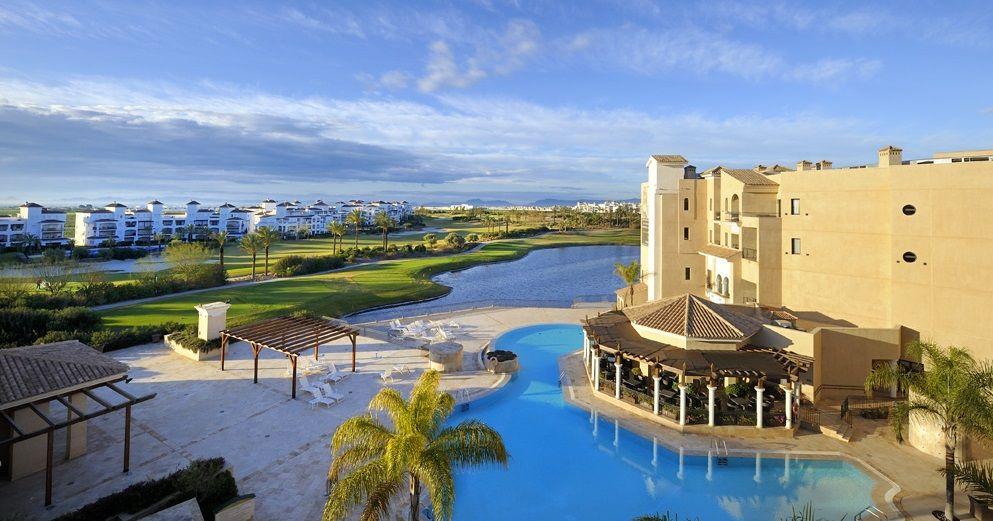 Hilton abre el resort la torre de murcia bajo su marca doubletree hoteles y alojamientos - Hoteles en murcia con piscina ...