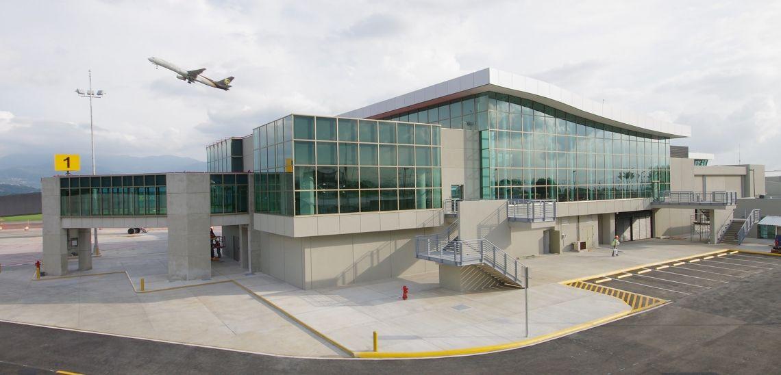 El principal aeropuerto de Costa Rica está en proceso de ampliación