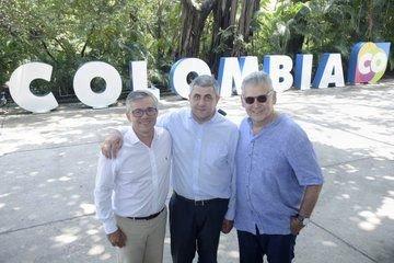 En Cartagena, el viceministro de Turismo colombiano Juan Pablo Franky, junto a Zurab Pololikashvili y Jaime Alberto Cabal, principales de la OMT.